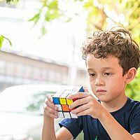 Fejtörők gyerekeknek és felnőtteknek - fém vagy fa?
