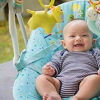Melyik a legjobb pihenőszék babáknak? A vélemyének a rezgő, az állítható háttámlájú és a zenélő pihenőszékeket dicsérik