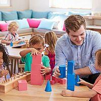 Montessori játékok: támogassák gyermekük természetes fejlődését!