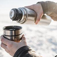 A legjobb termoszok kávéra és teára? Az értékelések és a tesztek segítenek a választásban!