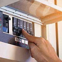 Túlfeszültségvédő elosztóhoz, konnektorhoz és hosszabbítóhoz - Hogyan működik?