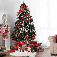 Melyik a szebb karácsonyfa? Az élő vagy a mű?