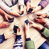 Teszt Magazin - Okostelefonok. A teszt győztese az iPhone és a Samsung