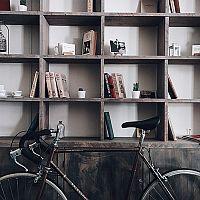 Hogyan tároljuk a kerékpárt a lakásban? Akasszuk fel!