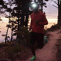Hogyan válasszunk fejlámpát futáshoz? A legjobbak tölthetőek.