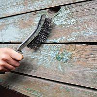 Hogyan távolítsuk el az öreg festéket a fémről és a fáról?