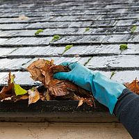 A levelek gyors eltávolítása az ereszcsatornából? A megoldás az eresztisztító robot!