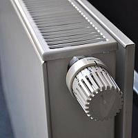 Hogyan légtelenítsük a radiátort, ha nem melegít az egész?