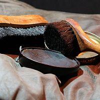 Hogyan tisztítsuk a bőrt, bőrkanapét, kabátokat?