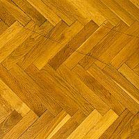 Mivel és hogyan tisztítsuk a fa padlóburkolatot?