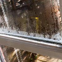 Hogyan gátoljuk meg az ablakok párásodását? Mit tegyünk?
