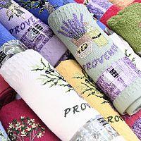 Provence-i stílus a modern hálószobában és nappaliban