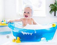 Babafürdőkád vagy fürdető vödör? Segítünk a baba fürdetésében!
