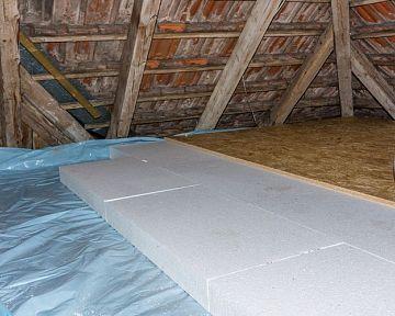 A padló hőszigetelése öreg házban? A leggyakoribb a Styrodur (polisztirol).