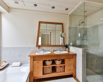 Hogyan használható ki a komód a fürdőszobában?